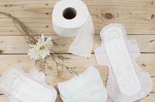sanitary towels / diapers